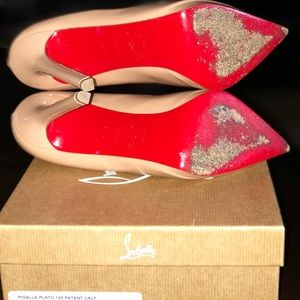 Slightly worn Authentic Christian Louboutin